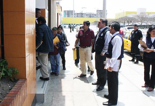 Municipalidad de san miguel cierra local del setame que originaba suciedad en vecindario - Oficina municipal del taxi ...