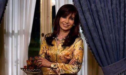 Argentina: Cristina Fernández garantizó que su gestión pagará sus deudas con dólares
