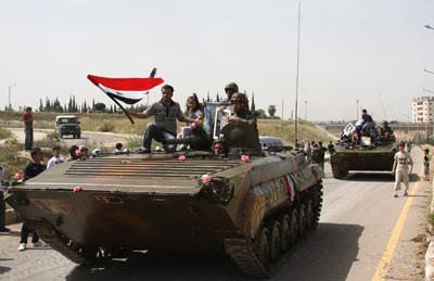 Israel: tanques sirios irrumpen a los Altos del Golán