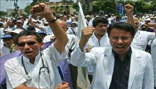 Minsa busca una reforma para una mejora salarial de médicos en el 2013