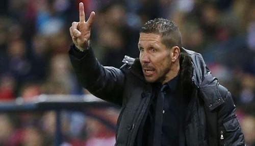 Simeone: Si tocan a Messi y Ronaldo es falta, si es Falcao no