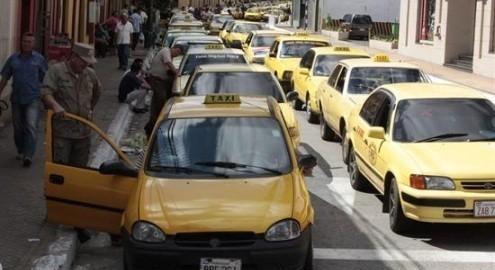 Regular los taxis en bien del tráfico de la ciudad