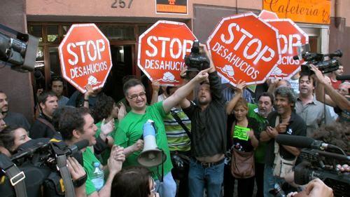 Los bancos españoles detienen los desahucios por dos años