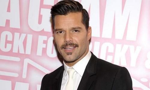 Ricky Martin pide que los gobiernos repartan preservativos gratis
