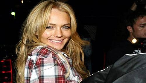 Lindsay Lohan consume hasta dos litros de vodka por día