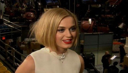 Katy Perry: 'Sin mi faja me siento gorda'