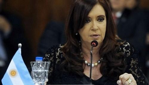 Cristina Fernández: Los intereses del país se defienden contra viento y marea