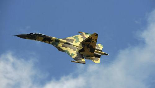 Rusia recibió los primeros cazas Su-35S producidos en serie