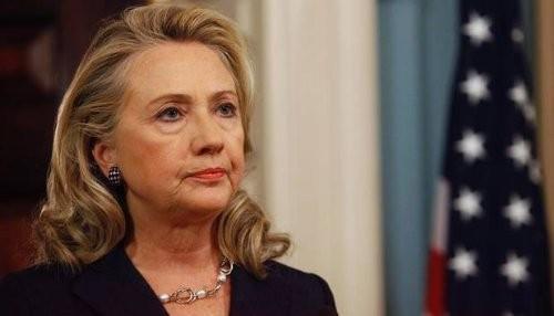 Hillary Clinton es hospitalizada después que los médicos le descubrieron un coágulo sanguíneo