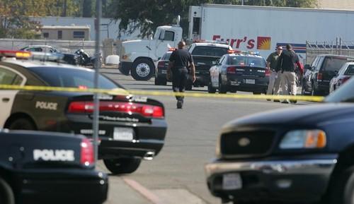 Dos personas habrían muerto  en un tiroteo en California,EE.UU