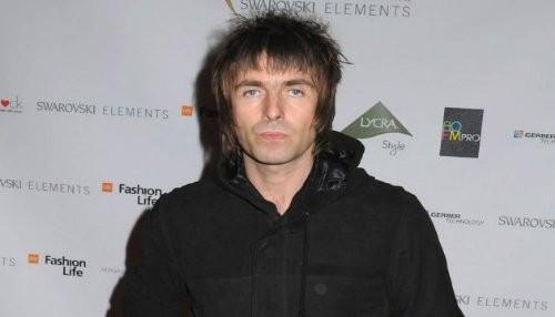 Liam Gallagher: One Direction tienen sus cabezas en sus c***s pero son inofensivos