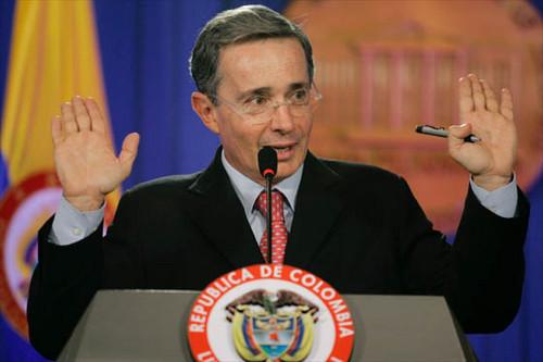 Álvaro Uribe sobre vínculos con paramilitares: existe una venganza criminal en mi contra