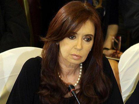 Cristina Fernández exige 'respeto' por la salud de Hugo Chávez