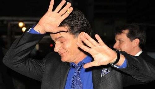 Charlie Sheen: Lady Gaga quiso bailar desnuda para mí