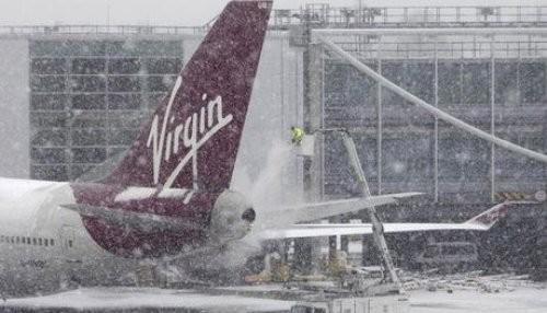 Europa: la nieve causa retrasos en los aeropuertos