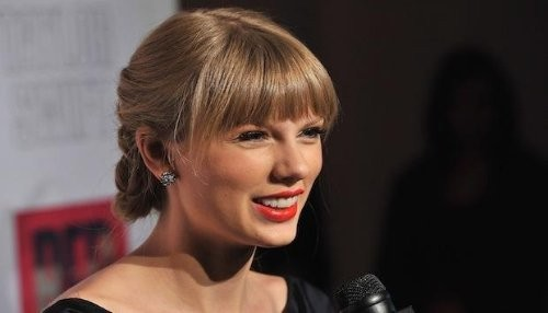 Taylor Swift llega en un jet privado a Londres para reunirse con Harry Styles