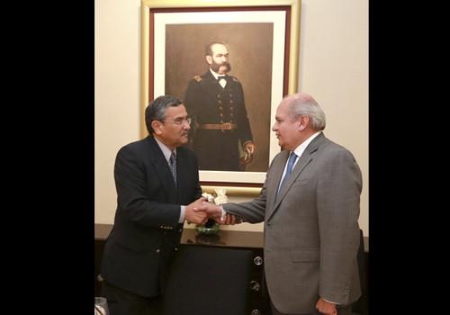 Ex comandante general de la FAP, Pedro Seabra recibió un homenaje [FOTO]