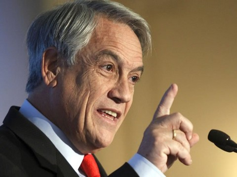 Sebastián Piñera hizo tremendo papelón en el suelo
