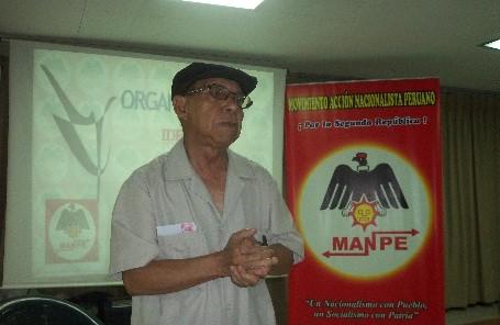 El secretario general del MANPE Germán Lizarzaburu da charla sobre doctrina política