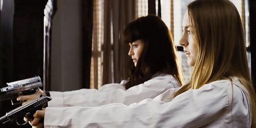 Saoirse Ronan y Alexis Bledel en el estreno de 'Violet y Daisy'