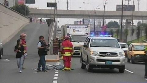 Trabajadora de limpieza pública murió atropellada en la vía expresa