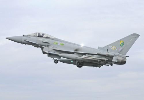 Reino Unido manda un avión de vigilancia a Mali