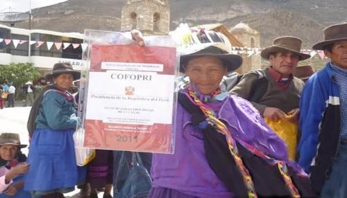 Familias de Carabaya en Puno consolidan su propiedad gracias al título de propiedad