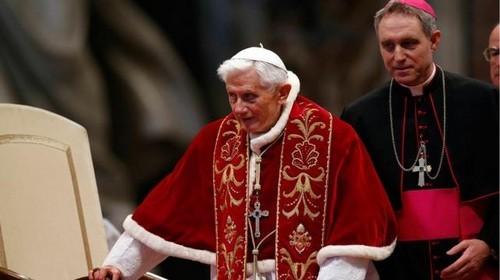 ¿Los Masones pidieron la renuncia de Benedicto XVI?