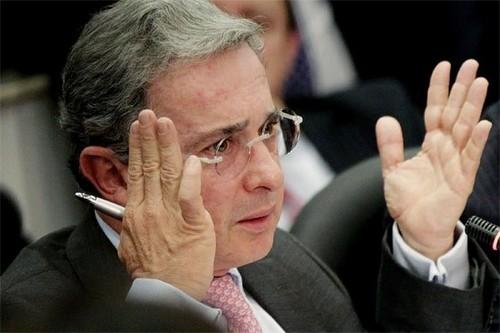 Álvaro Uribe acusa a diputado Cepeda de buscar el indulto para Simón Trinidad