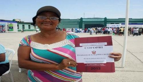 Más de 500 familias del norte peruano obtienen su título de propiedad
