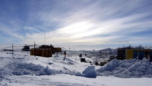 Científicos descubren bacterias desconocidas en un lago antártico