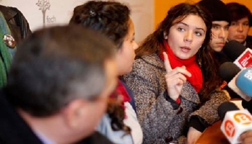 Camila Vallejo a favor de que su país le dé salida al mar a Bolivia