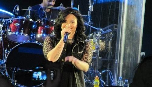 Demi Lovato lanza la portada de su nuevo disco [FOTO]