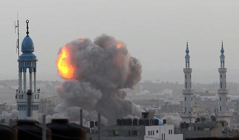 Israel inició un ataque aéreo contra la franja de Gaza