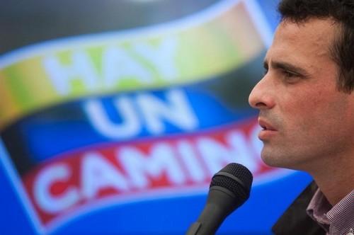 Venezuela: Capriles pide no proclamar a Maduro como ganador