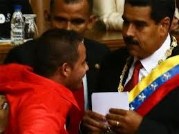 El espontaneo Yendrick Sánchez que interrumpió el discurso de Nicolás Maduro es privado de libertad