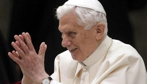 El Papa emérito Benedicto XVI regresa al Vaticano
