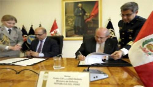 Perú y Francia suscriben acuerdos de Cooperación en Materia de Defensa
