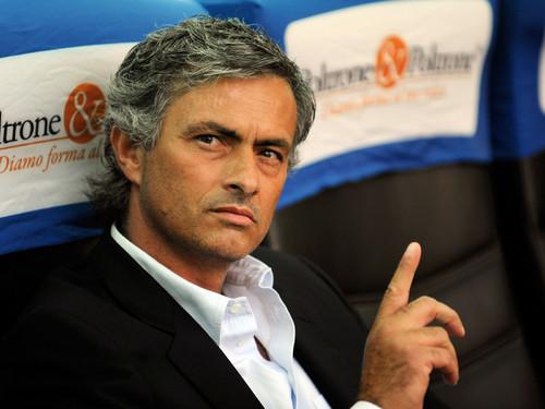 Ruud Gullit: Mourinho tiene que ganar la Champions League para justificar su regreso al Chelsea