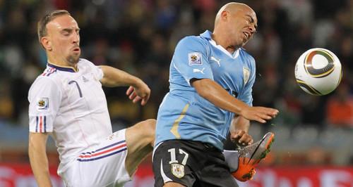 Uruguay derrotó a Francia por 1 gol a 0 en el Centenario de Montevideo