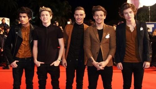 One Direction develó la portada de su The Offical Annual 2014 [FOTO]