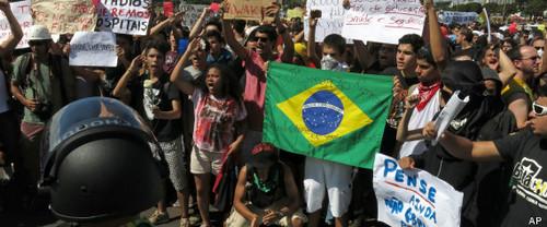 Decenas de miles manifiestan y desafian al gobierno de Brasil en plena realización de la Copa Confederaciones