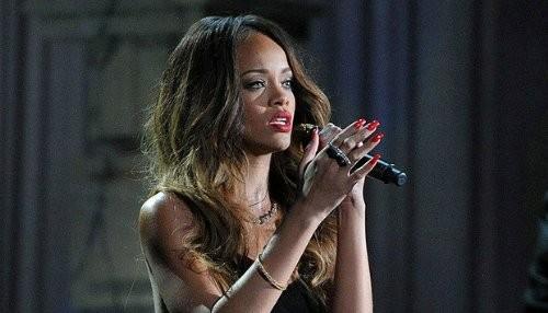 Rihanna eclipsa a Justin Bieber como artista top en YouTube