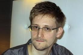 Robert Snowden es acusado de espionaje en Estados Unidos