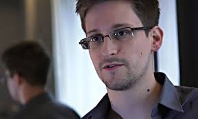 Vladimir Putin: 'Edward Snowden se considera un defensor de los derechos humanos, un nuevo disidente, algo así como Sakharov'