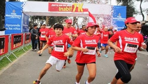 Más de 2 mil personas participaron en la Carrera Inabif 7k 'Corre con los niños'