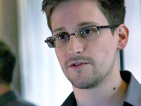 Nicolás Maduro a Edward Snowden: Tendrá que decidir cuándo vuela si quiere venir aquí