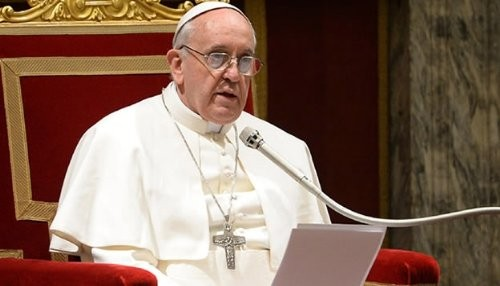 Papa Francisco establece la ley sobre el abuso sexual infantil