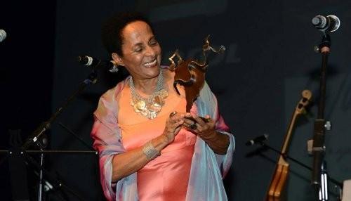 Susana Baca recibe el premio La Mar de Músicas