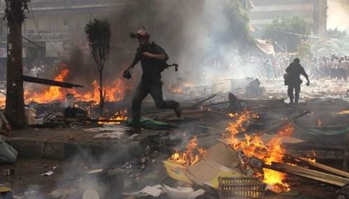 Egipto: las empresas de turismo cancelan viajes tras aumento de violencia